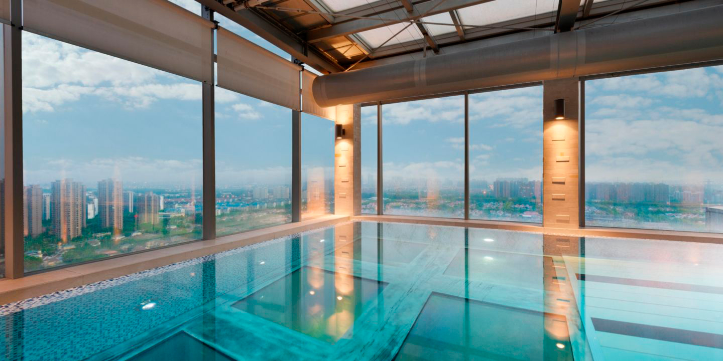 hotel_holiday-inn-shanghai-piscina-transparente_